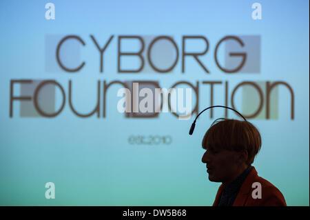London, UK. 27th Feb, 2014. Neil Harbisson speaks at Cybersalon in London. Neil Harbisson is a British-born artist - Stock Photo