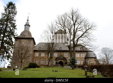 Castle Schnellenberg with front and westside in Attendorn - Stock Photo