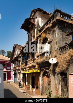 India, Goa, Panjim, Fontainhas, Joseph Bar, dilapidated building in old Portuguese Latin Quarter - Stock Photo