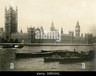 Circa 1920 photograph of the House of Parliament building, London, England. - Stock Photo