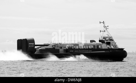 Island Express (Freja Viking) Hovercraft AP1-88/100S GH-2132 crossing to Isle of Wight - Stock Photo