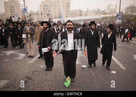 Jerusalem, Israel. 2nd March, 2014. A massive crowed of Ultra Orthodox Jews gathered in Jerusalem, on March 2, 2014 - Stock Photo