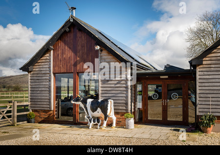 'Rowdey Cow' farm cafe in Wiltshire UK - Stock Photo
