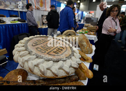 (140304) -- NEW YORK, March 4, 2014 (Xinhua) -- Photo taken on March 3, 2014 shows bread on display during the International - Stock Photo