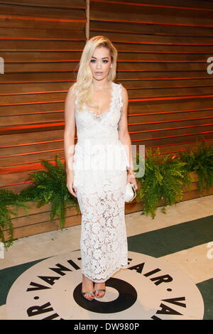 West Hollywood, Los Angeles, USA. 02nd Mar, 2014. British singer and model Rita Ora arrives at the Vanity Fair Oscar - Stock Photo