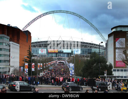 Wembley, London, UK. 2nd March, 2014. Capital One Cup Final - Manchester City v Sunderland.  Fans make their way - Stock Photo
