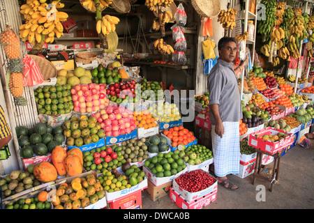 Sri Lanka; Kandy; market, fruit shop, vendor, - Stock Photo