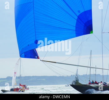 J-class yacht k7 Velsheda and crew during 2012 Solent regatta charging along - Stock Photo