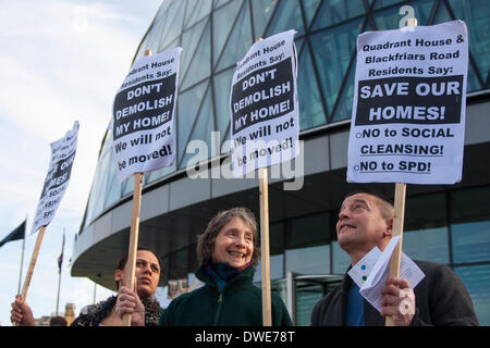 London, UK. 6th March 2014. Protesters demonstrate against  the destruction of housing and sell-offs of council - Stock Photo