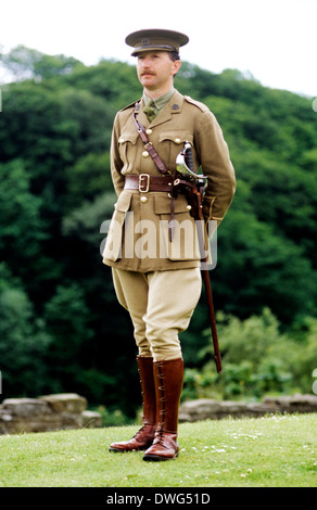 1st First World War 1, British Officer, 1914 - 1918, historical re-enactment Army soldier soldiers uniform uniforms - Stock Photo