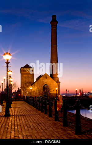The old Pumphouse at the Albert Dock in Liverpool on Merseyside in the northwest of England. (now a pub and restaurant) - Stock Photo