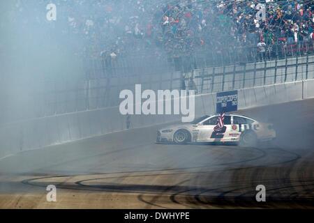 Las Vegas, NV, USA. 9th Mar, 2014. Las Vegas, NV - Mar 09, 2014: Brad Keselowski (2) wins the ''Kobalt Tools 400'' at Las Vegas Motor Speedway in Las Vegas, NV. Credit:  csm/Alamy Live News Stock Photo