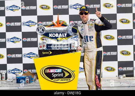 Las Vegas, NV, USA. 9th Mar, 2014. Las Vegas, NV - Mar 09, 2014: Brad Keselowski (2) wins the ''Kobalt Tools 400'' - Stock Photo