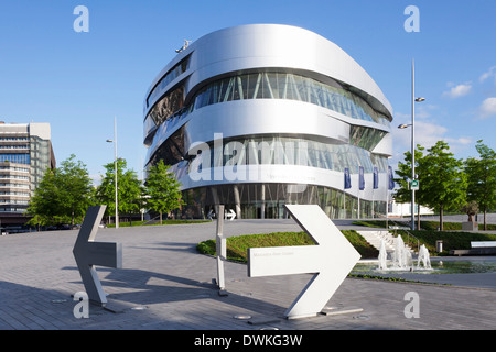 German City Headquarters For Mercedes Benz