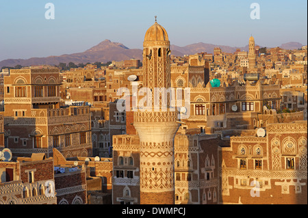Elevated view of the Old City of Sanaa, UNESCO World Heritage Site, Yemen, Middle East - Stock Photo