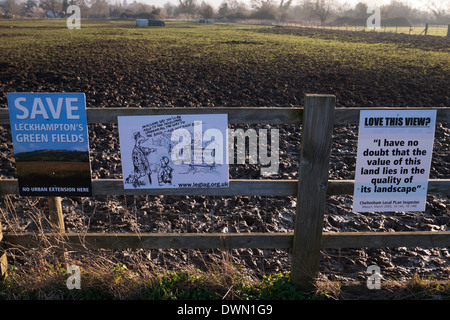 Kidnappers Lane proposed development protest signs - Stock Photo