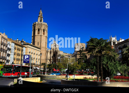 A general view of the Plaza de la Reina, Valencia, Spain on 6 February 2014. Photo by Sarah Ansell/Sarah Ansell - Stock Photo