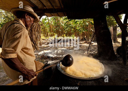 how to make sugar out of sugarcane