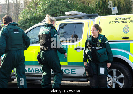 Hucknall, Nottinghamshire, UK.13th March 2014.Hucknall town center closed off by armed response unit. Police will - Stock Photo