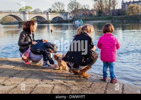Richmond upon Thames, Greater London, UK,13th March 2014. The Capital is experiencing unusually warm weather in - Stock Photo