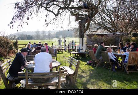 Locals at The Frog Free House and Restaurant Garden in Skirmett - Buckinghamshire - UK - Stock Photo