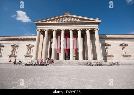 Germany, Bavaria, Munich, Koenigsplatz Square, Glyptothek - Stock Photo