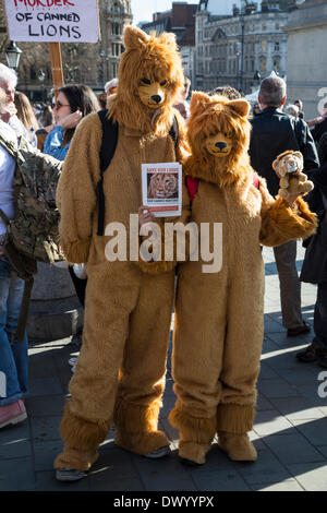 Trafalgar Square, London, UK, 15th March 2014. Global March For Lions, a mass protest in major cities worldwide - Stock Photo