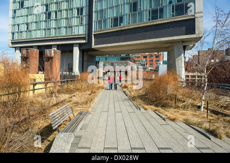 View of New York's High Line Park, running under the Standard Hotel between 12th and 13th Streets, Manhattan. - Stock Photo