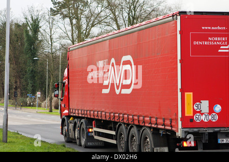 A truck traveling along the A23 rod in Coulsdon, Surrey, England - Stock Photo