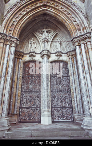 Large double arch doorway to Norwich Roman Catholic Cathedral - Stock Photo