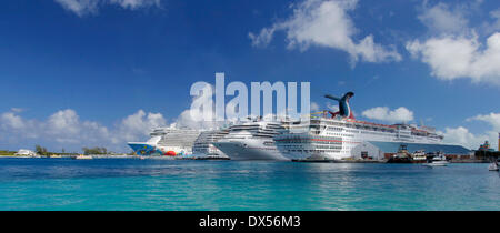 Cruise ships in the cruise port of Nassau, Bahamas - Stock Photo