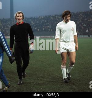 football, Bundesliga, 1973/1974, Park Stadium Gelsenkirchen, FC Schalke 04 versus 1. FC Cologne 2:2, leaving, keeper - Stock Photo