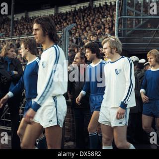 football, Bundesliga, 1973/1974, Ruhr Stadium, VfL Bochum versus FC Schalke 04 2:5, running-in of the teams, f.l.t.r. - Stock Photo