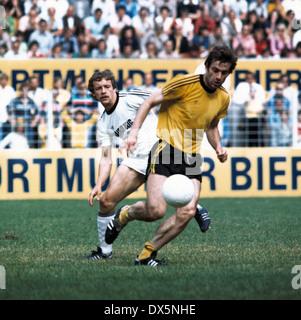 football, 2. Bundesliga Nord, 1975/1976, Westfalen Stadium, Borussia Dortmund versus ETB Schwarz Weiss Essen 3:0, - Stock Photo