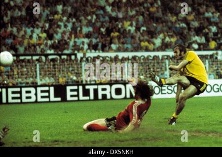 football, 2. Bundesliga Nord, 2. Bundesliga Sued, 1975/1976, relegation match to Bundesliga 1976/1977, return leg, - Stock Photo