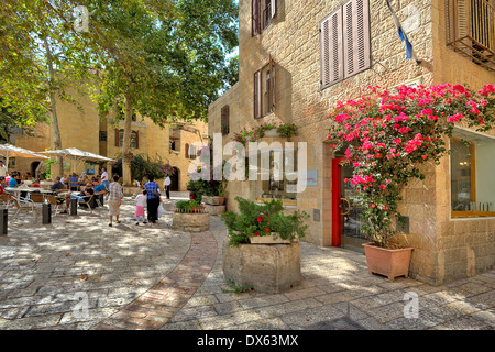 Narrow cobbled streets of Jewish Quarter in Jerusalem, Israel. - Stock Photo