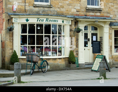 Tisanes, Tea Rooms, Broadway, Cotswolds, Worcestershire, England - Stock Photo
