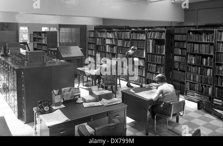 Express & Star newspaper office library in Queen Street Wolverhampton West Midlands 1957 - Stock Photo