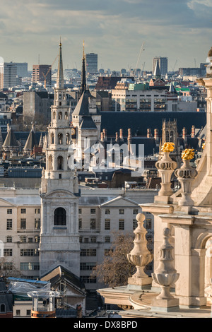 St Bride's Church on Fleet Street in the City of London, designed by Sir Christopher Wren - Stock Photo
