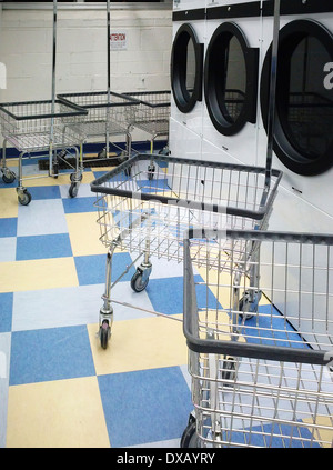An empty laundry room in an apartment building in New York on Friday, July 12, 2013. (© Richard B. Levine) - Stock Photo