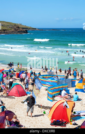 a busy summers day on porthmeor beach, st.ives, cornwall, uk - Stock Photo