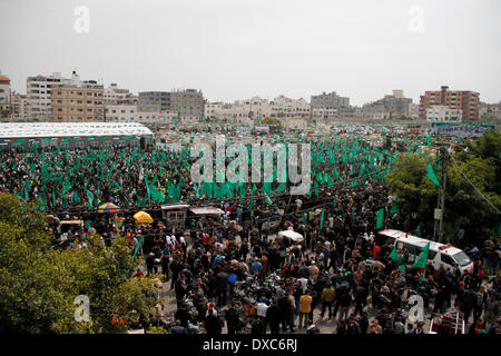 ALSARAYA ,GAZA , PALESTINE - MARCH 23, 2014: Thousands of Palestinian Hamas supporters came out to participate in - Stock Photo