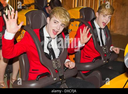 Jedward John Grimes and Edward Grimes ride Cheetah Hunt at Busch Gardens JEDWARD FILM CHRISTMAS SPECIAL IN FLORIDA - Stock Photo