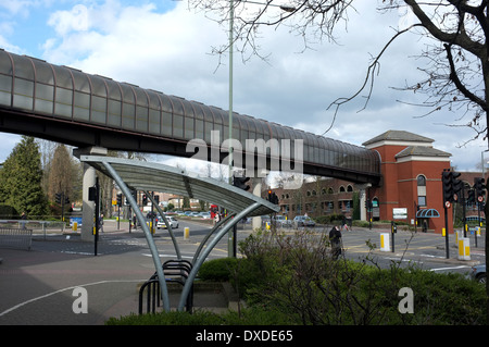 connecting bridge between the glades shopping arcade and the bromley civic centre in the county of kent uk 2014 - Stock Photo