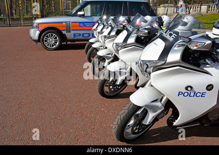 Metropolitan Police Honda motorbikes and car parked in the Mall London England UK - Stock Photo