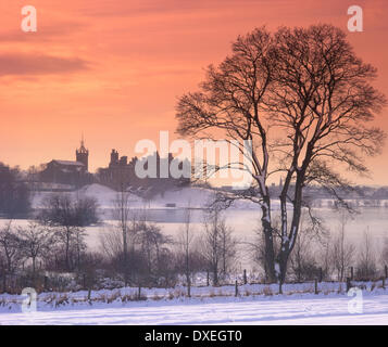 Winter view of Linlithgow Palace - Stock Photo