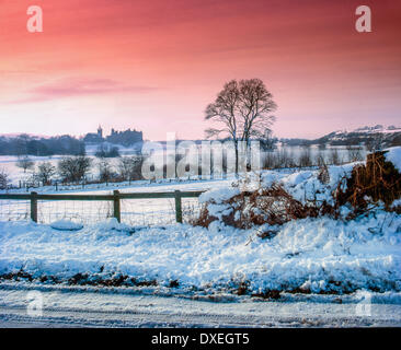 Winter view across Linlithgow lake towards Linlithgow Palace, West Lothian - Stock Photo