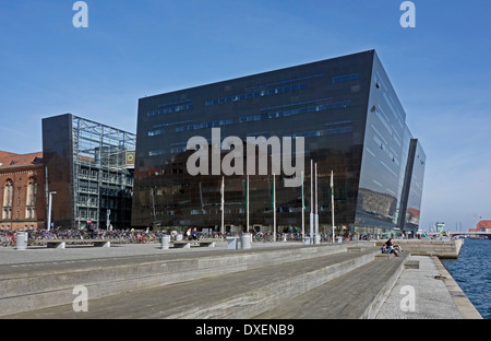 The Royal Danish Library  is housed in the building termed Black Diamond spectacularly located on the waterfront - Stock Photo