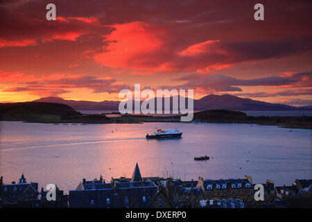 The M.V.Clansman deaprts Oban at Sunset, Oban, Argyll - Stock Photo
