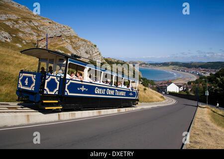 Tram decends on the Great Orme, Llandudno, N.Wales - Stock Photo